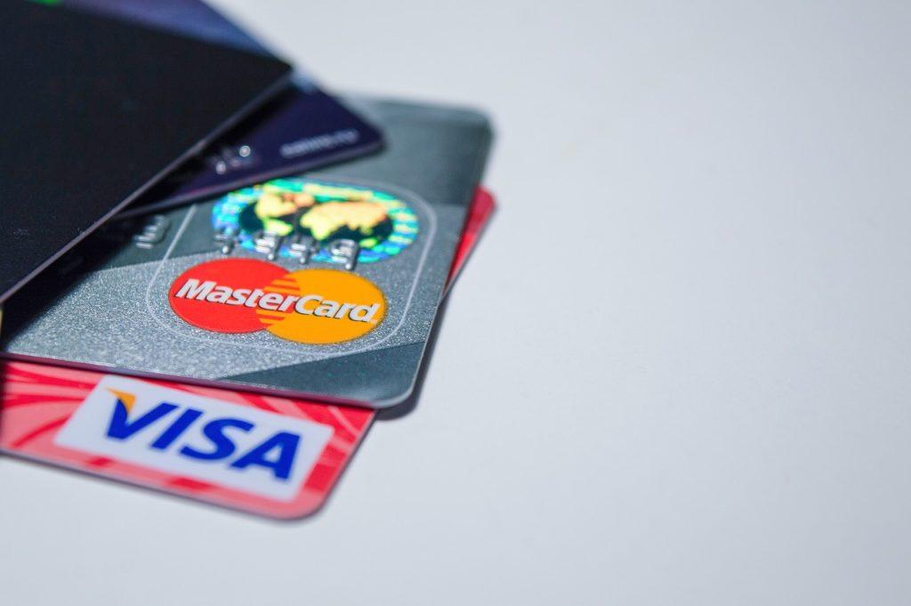 Visa ou MasterCard ? Quelles sont les différences ? Quelle carte choisir ?