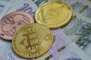 Ripple et Bitcoin, deux cryptomonnaies qui démultiplient la vitesse des transactions financières