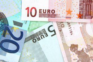 Comment déposer de l'argent liquide dans une banque en ligne ?