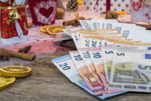 Combien donner d'argent pour Noël ?