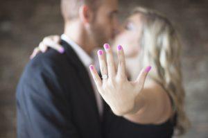 Combien coûte une bague de fiançailles ?
