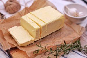 Vouloir le beurre et l'argent du beurre : signification, origine…
